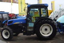 Трактор New Holland с подшипниками
